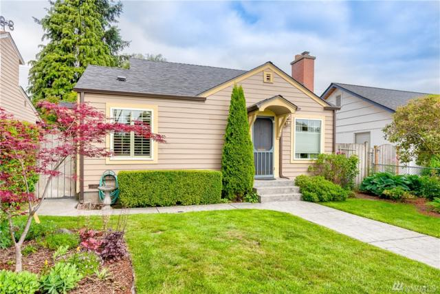 1033 Oakes Ave, Everett, WA 98201 (#1461155) :: Ben Kinney Real Estate Team