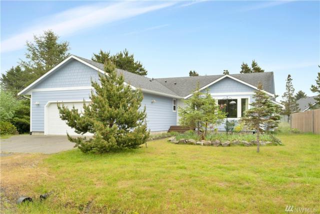 902 Cascade Ave SW, Ocean Shores, WA 98569 (#1463023) :: The Royston Team