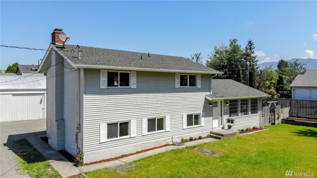 841 Warner Ave W, Enumclaw, WA 98022 (#1463317) :: Homes on the Sound