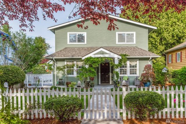 2326 45th Ave SW, Seattle, WA 98116 (#1463894) :: Keller Williams Western Realty