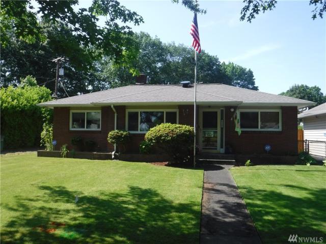 2122 Washington Wy, Longview, WA 98632 (#1464870) :: Platinum Real Estate Partners