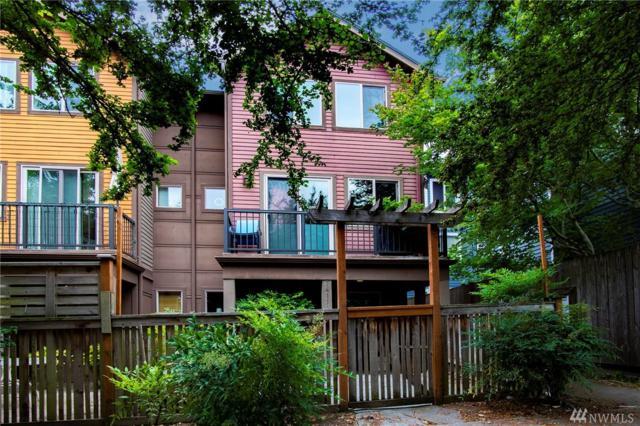 7411 4th Ave NE B, Seattle, WA 98115 (#1466614) :: Platinum Real Estate Partners