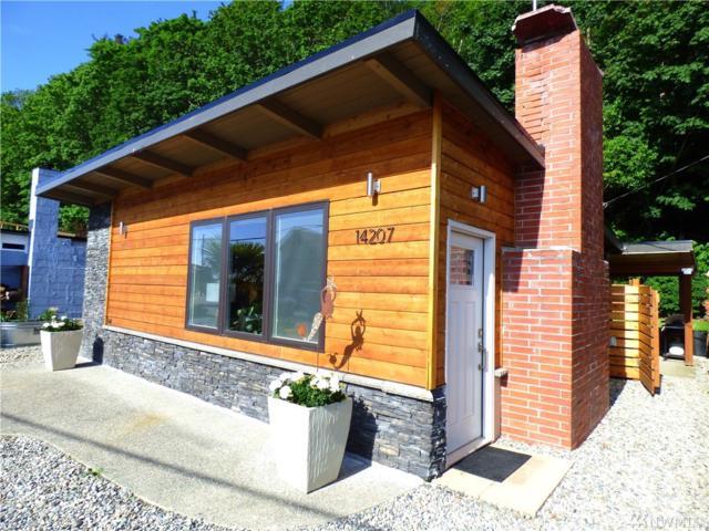 14207 Evergreen Wy, Stanwood, WA 98292 (#1468230) :: Ben Kinney Real Estate Team