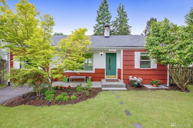 11722 26th Ave NE, Seattle, WA 98125 (#1468380) :: Kimberly Gartland Group