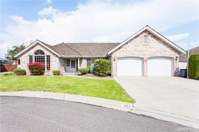 807 N 49th Ct, Yakima, WA 98908 (#1468568) :: Center Point Realty LLC
