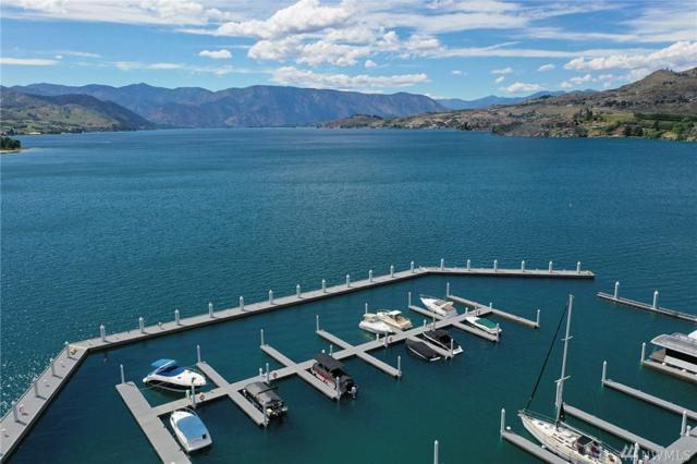 1350 W Woodin Ave A13, Chelan, WA 98816 (#1468788) :: Kimberly Gartland Group