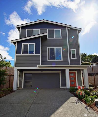 8209 S 118th Ct, Seattle, WA 98178 (#1471815) :: Ben Kinney Real Estate Team