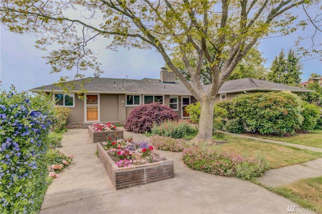 22017 11th Ave S, Des Moines, WA 98198 (#1473604) :: Record Real Estate
