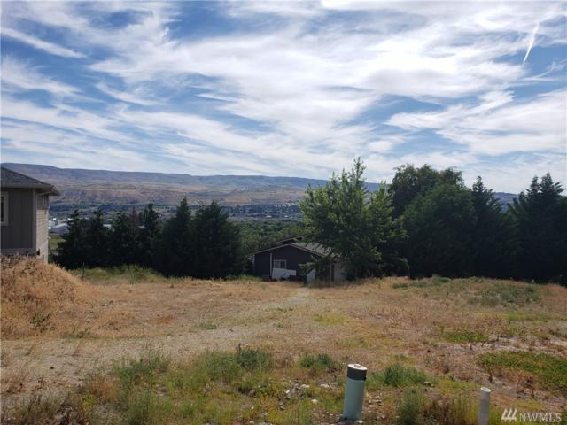1500 Alexandria Ct, Wenatchee, WA 98801 (#1473898) :: Keller Williams Realty