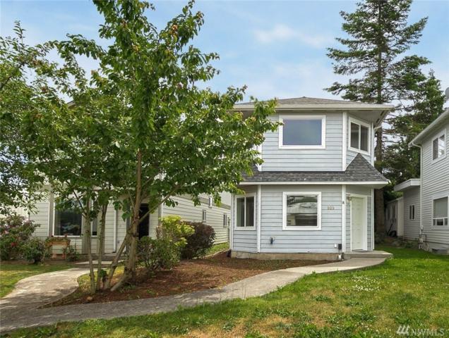 809 22nd St, Anacortes, WA 98221 (#1474941) :: McAuley Homes