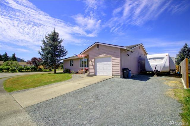 807 S 25th St, Mount Vernon, WA 98274 (#1476358) :: Ben Kinney Real Estate Team