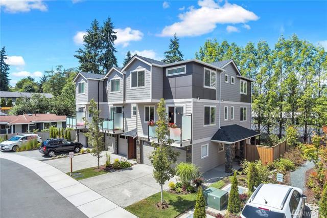 7915 229th Place SW C, Edmonds, WA 98026 (#1477439) :: Platinum Real Estate Partners