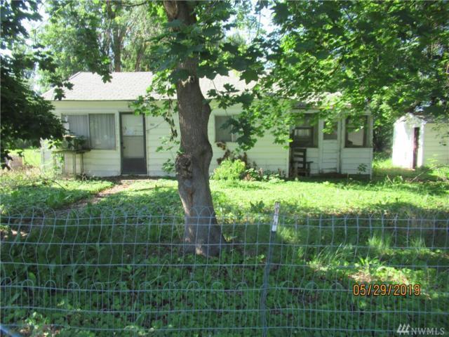 7637 Rainier, Moses Lake, WA 98837 (MLS #1479044) :: Nick McLean Real Estate Group