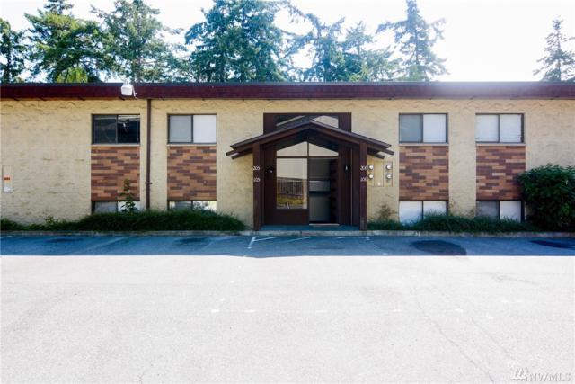 51 NW Columbia Dr #106, Oak Harbor, WA 98277 (#1480923) :: Keller Williams Realty