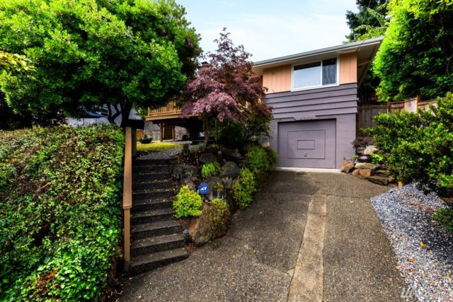 8213 37th Ave SW, Seattle, WA 98126 (#1486234) :: Platinum Real Estate Partners
