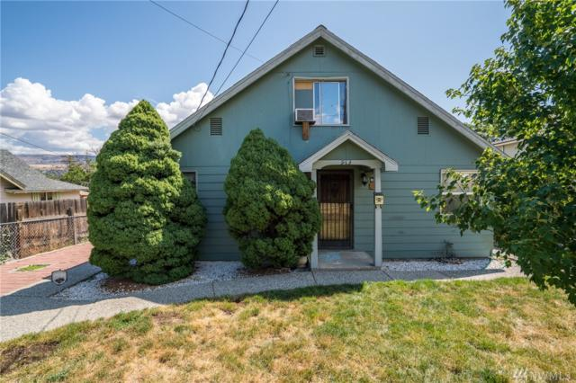 913 Cashmere St, Wenatchee, WA 98801 (#1486624) :: Keller Williams Realty