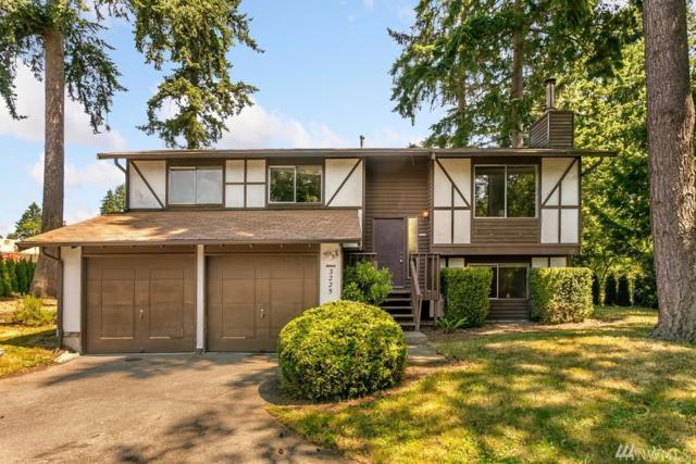 3225 SE 19th Ct, Renton, WA 98058 (#1486955) :: Platinum Real Estate Partners