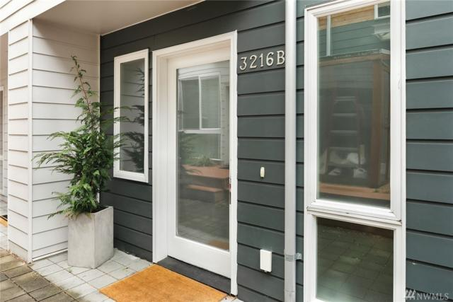 3216 21st Ave W B, Seattle, WA 98199 (#1487782) :: Northern Key Team
