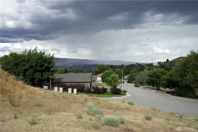 800 Castle Heights Dr, Wenatchee, WA 98801 (#1488140) :: Crutcher Dennis - My Puget Sound Homes