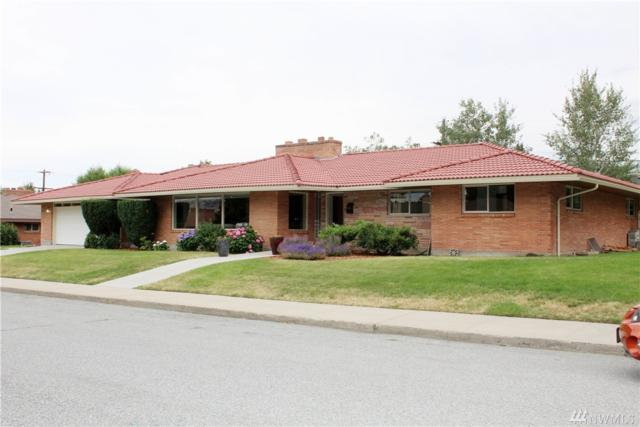 1111 Cedar St, Wenatchee, WA 98801 (#1488678) :: Platinum Real Estate Partners
