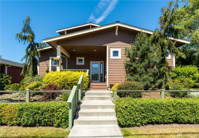 1214 5th St, Anacortes, WA 98221 (#1490419) :: Costello Team