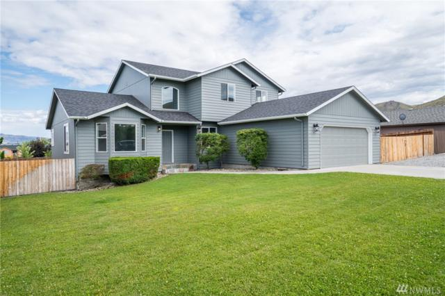 1631 Fuller St, Wenatchee, WA 98801 (#1490574) :: The Kendra Todd Group at Keller Williams