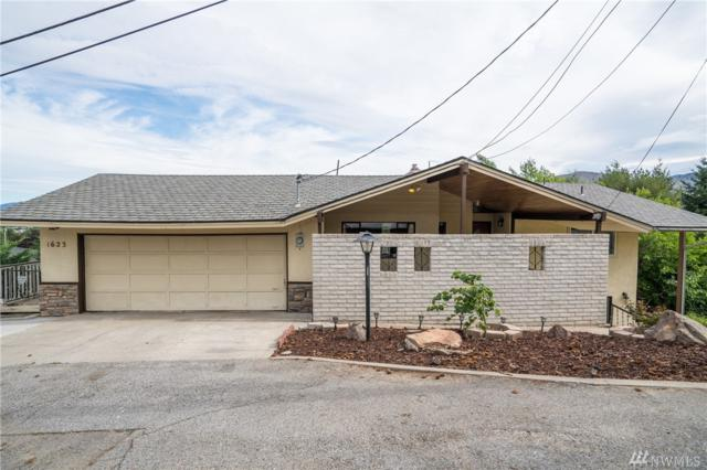 1623 Overlook Dr, Wenatchee, WA 98801 (#1490809) :: The Kendra Todd Group at Keller Williams