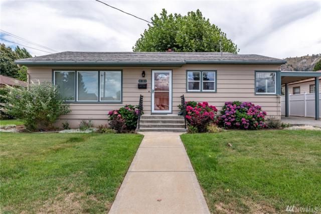 1037 Montana St, Wenatchee, WA 98801 (#1491790) :: Chris Cross Real Estate Group
