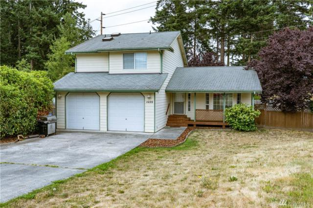 1600 SW Neinhuis St, Oak Harbor, WA 98277 (#1492651) :: Ben Kinney Real Estate Team