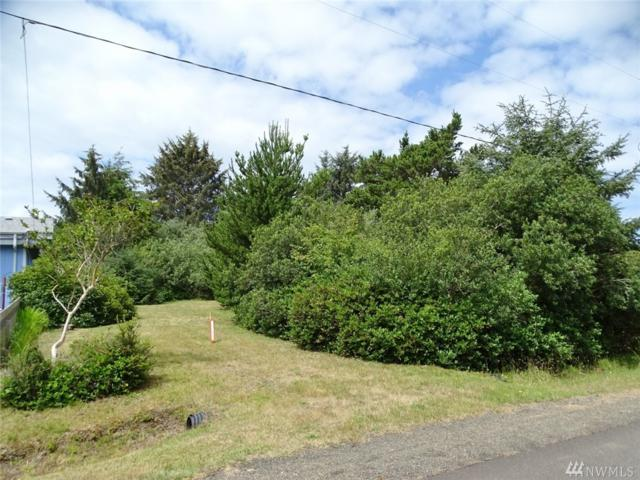 111 N Oar Lp, Ocean Shores, WA 98569 (#1492949) :: Platinum Real Estate Partners