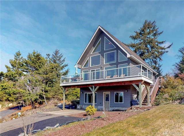 902 Jetty View Dr, Westport, WA 98595 (MLS #1495685) :: Lucido Global Portland Vancouver
