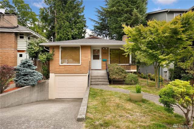8228 19th Ave NE, Seattle, WA 98115 (#1495827) :: KW North Seattle