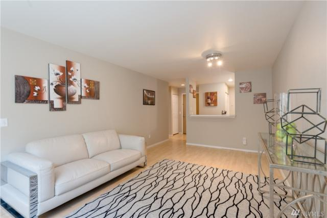 4421 Greenwood Ave N #106, Seattle, WA 98103 (#1496211) :: Beach & Blvd Real Estate Group