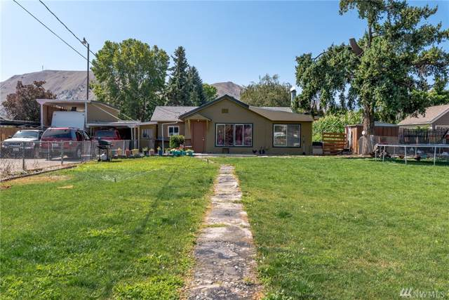 129 S Viewdale St, Wenatchee, WA 98801 (#1497605) :: The Kendra Todd Group at Keller Williams