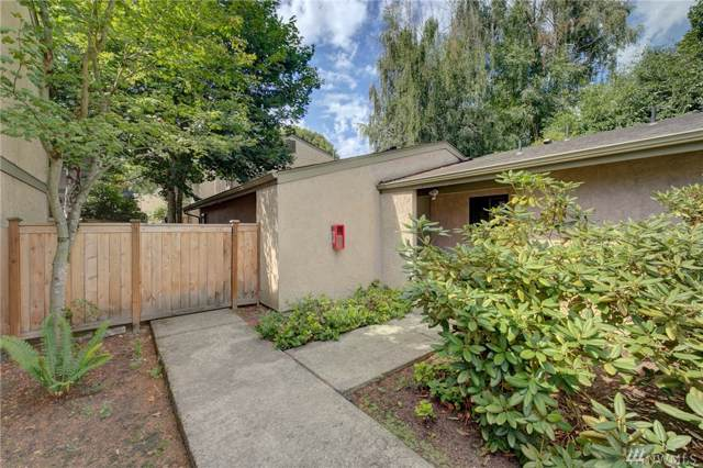 10032 NE 138th Place M2, Kirkland, WA 98034 (#1497779) :: Real Estate Solutions Group
