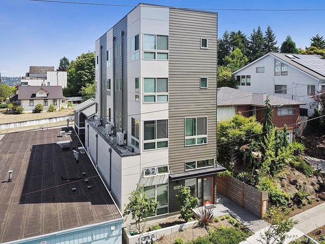 4350 32nd Ave W, Seattle, WA 98199 (#1499023) :: Beach & Blvd Real Estate Group