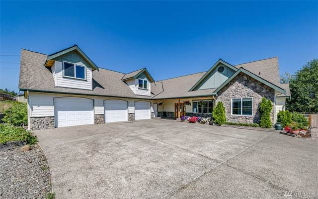 1201 Forest Trail, Port Angeles, WA 98362 (#1499661) :: The Kendra Todd Group at Keller Williams