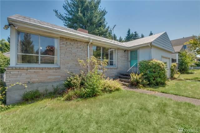 8240 43rd Ave NE, Seattle, WA 98115 (#1500652) :: KW North Seattle