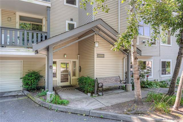 11550 Stone Avenue N #302, Seattle, WA 98133 (#1500761) :: Pickett Street Properties
