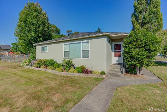 844 Sumas Ave, Sumas, WA 98295 (#1502104) :: Canterwood Real Estate Team