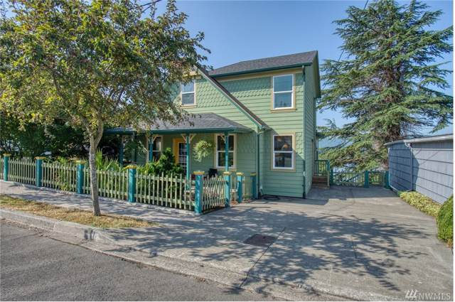 330 Columbia St, Cathlamet, WA 98612 (#1502123) :: Alchemy Real Estate