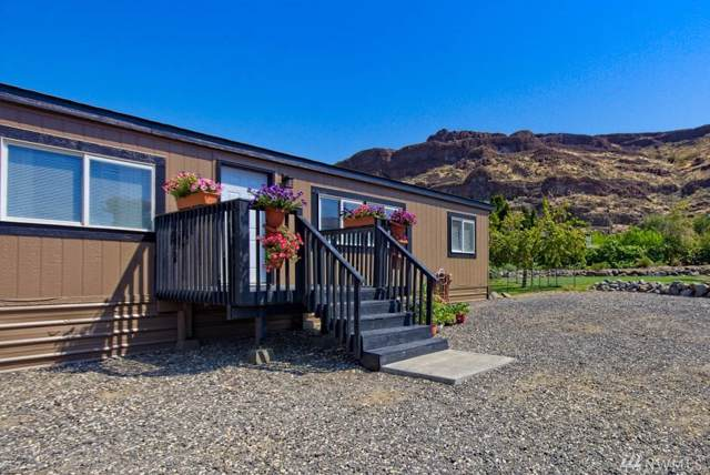 695 Chukar Place SW, Quincy, WA 98848 (#1503014) :: Northern Key Team