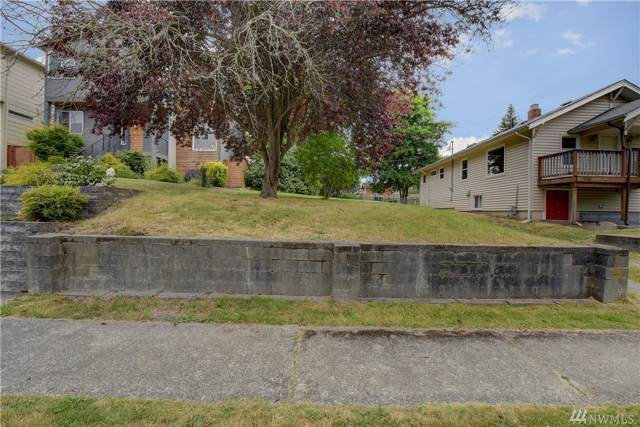 8131 18th Ave SW, Seattle, WA 98106 (#1503412) :: The Kendra Todd Group at Keller Williams