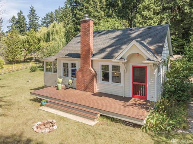 16120 Crescent Dr SW, Vashon, WA 98070 (#1503550) :: Keller Williams Western Realty