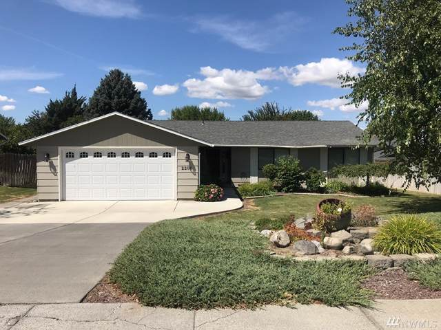 2208 S Crestmont Dr, Moses Lake, WA 98837 (#1504310) :: Keller Williams Western Realty