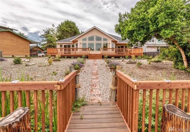 210 Muskrat Ct SW, Ocean Shores, WA 98569 (#1504420) :: Ben Kinney Real Estate Team