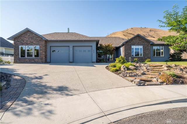 394 Lars Lane, Wenatchee, WA 98801 (#1505777) :: Ben Kinney Real Estate Team