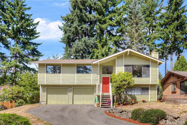 11737 5th Ave NE B, Seattle, WA 98125 (#1505901) :: Keller Williams Western Realty