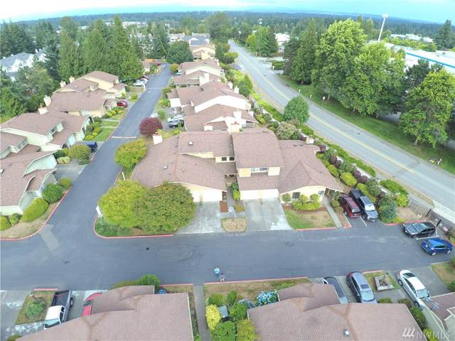 1121 132nd St SW B, Everett, WA 98204 (#1505917) :: Chris Cross Real Estate Group