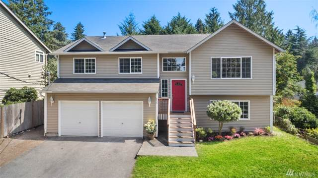 4035 NE 110th St, Seattle, WA 98125 (#1506311) :: Chris Cross Real Estate Group